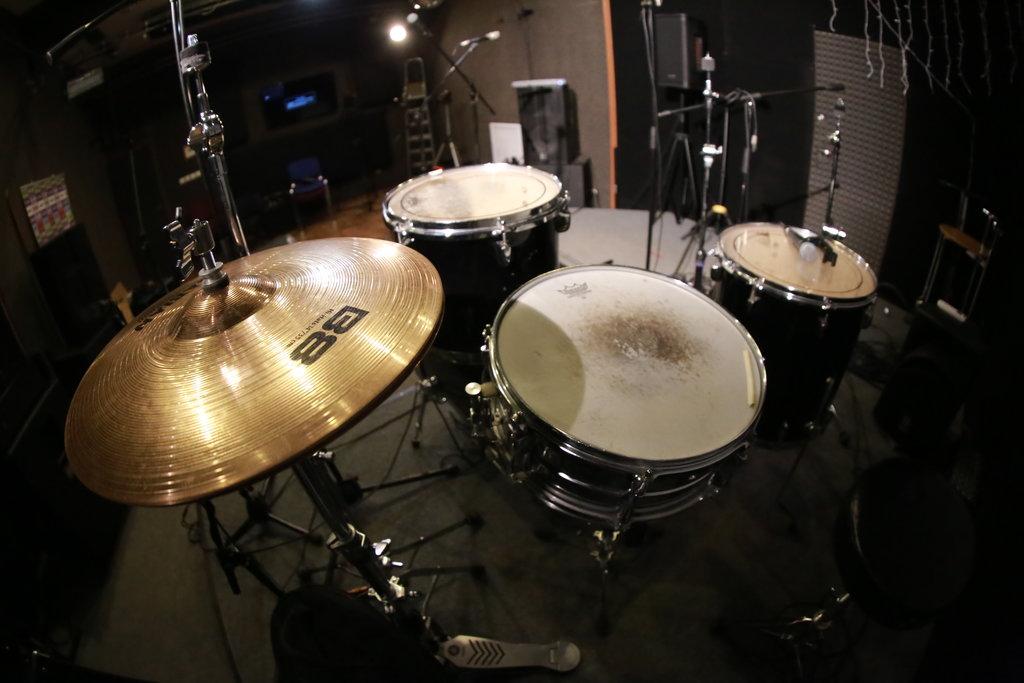 Многоканальная запись барабанов