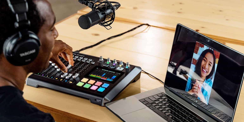 Микшер для покастинга Mixcast 4